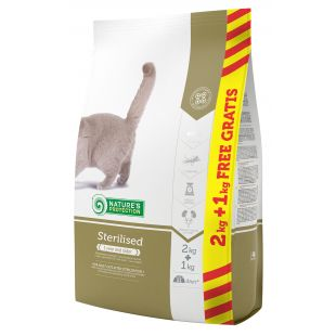 NATURE'S PROTECTION Neutered dry food for cats 2+1 kg