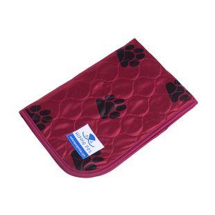 HIPPIE PET reusable pet pad 80x90 cm, red with paws (size L)